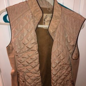 Tan vest with fur lining